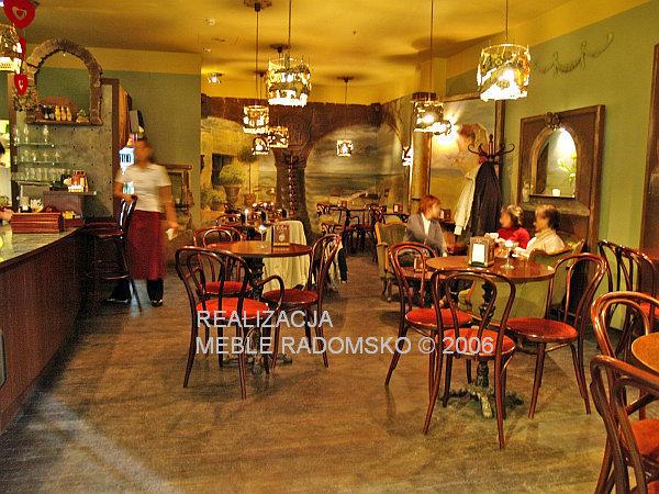 Klasyczne meble restauracyjne w stylu wiedeńskim z www.radomskomeble.pl